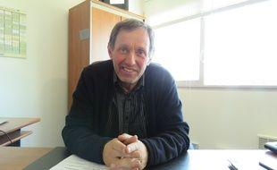 Le Breton Gilles Helgen, 62 ans, se présente pour la deuxième fois aux européennes après 2009.