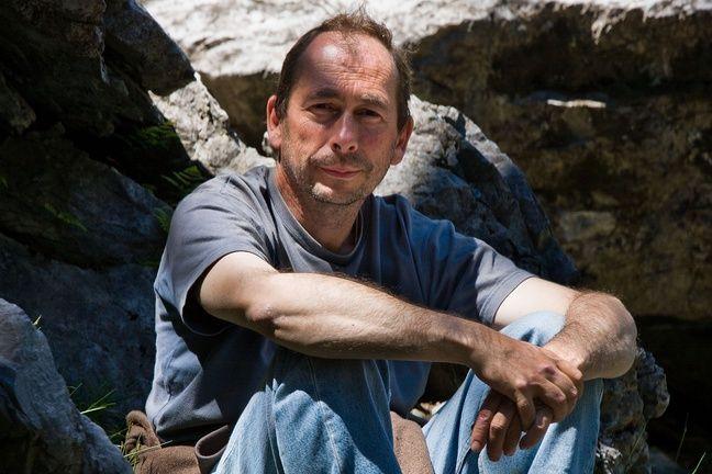 Jean-Michel Bertrand a vécu pendant 3 ans avec les loups.