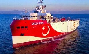 La navire sismique turc Oruc Reis près de l'île grecque Kastellorizo.