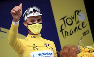 La victoire d'étape à Landerneau et le maillot jaune. Julian Alaphilippe démarre le Tour de France sur les chapeaux de roue.