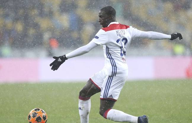 Strasbourg-Lyon EN DIRECT: L'OL veut mettre la pression sur Lille avant Barcelone...Fekir et Depay sur le banc