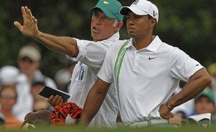 Tiger Woods et son caddie de l'époque, Steve Williams, en avril 2011, lors du Masters d'Augusta.