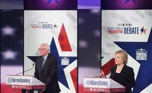 Débat télévisé entre Hillary Clinton et Bernie Sanders,  tous les deux candidats à l'investiture démocrate pour la présidentielle américaine de 2016, le 14 novembre 2015 à Des Moines dans l'Iowa