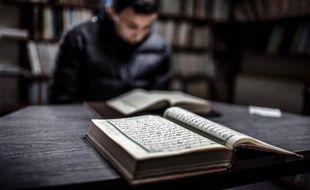 Les immigrés musulmans transmettent efficacement l'islam à leurs enfants dont les plus jeunes connaissent même un regain de religiosité, à rebours des autres religions, selon le dernier volet en date de l'enquête Trajectoire et origine (Teo)