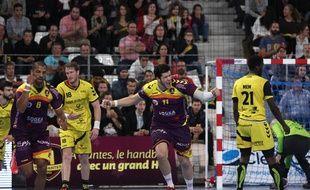 Le pivot du HBC Nantes Nicolas Tournat.