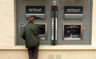 Quatre Français sur dix estiment qu'une taxe sur les comptes bancaires des épargnants pourrait être mise en place en France en cas d'aggravation de la situation économique, selon un sondage réalisé par l'Ifop pour Sud Ouest Dimanche.
