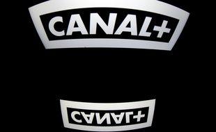 Le logo Canal+, sur l'écran d'une tablette, en 2012.
