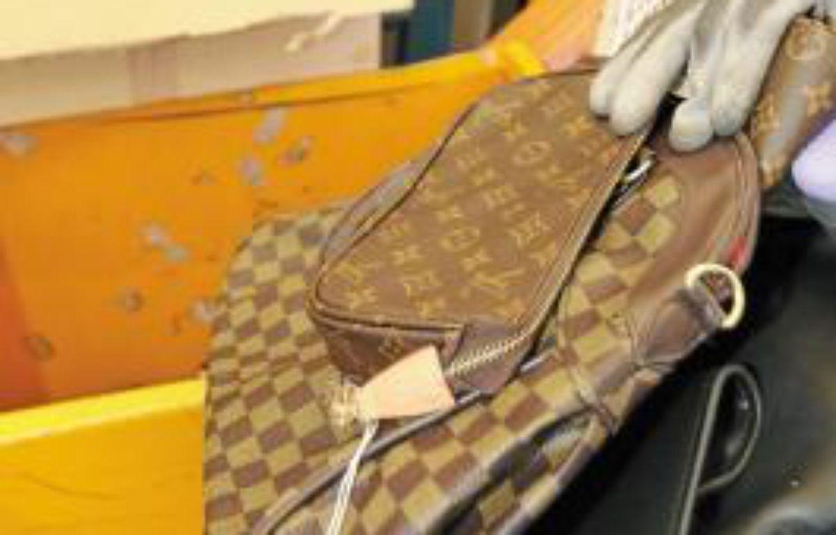 Ce jeudi, de faux sacs de luxe ont été contrefaits –  J. C. MAGNENET / ANP / 20 MINUTES