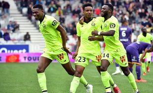 La joie du Lillois Thiago Mendes (numéro 23), avant la déception du but annulé, le 21 avril 2019 au Stadium de Toulouse. Un grand classique avec le VAR.