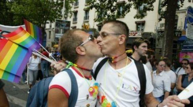 rencontre gay sur facebook à Pessac