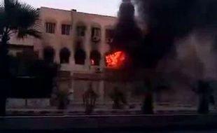 Le président syrien Bachar al-Assad gardait le silence jeudi au lendemain de l'attaque qui a coûté la vie à trois de ses proches collaborateurs, dont son beau-frère Assef Chawkat.
