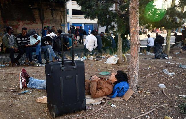 Selon le secrétaire général de la préfecture d'Île-de-France, François Ravier, l'évacuation porte sur «2.500 personnes au moins».