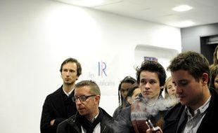 Des militants pro-Sarkozy au siège des Républicains à Lille, le 20 novembre 2016.