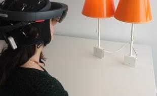 """Le casque EEG et les lunettes de réalité virtuelle du projet """"piloter sa maison connectée à distance"""""""