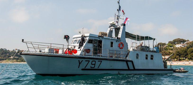 La vedette d'intervention des plongeurs démineurs de la Marine nationale