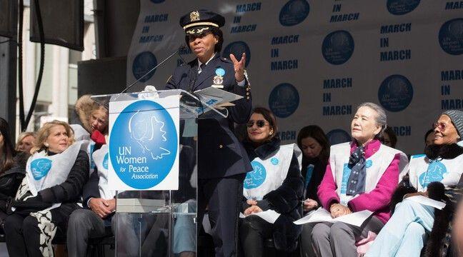 Juanita Holmes, première femme noire à un poste clé à la police de New York