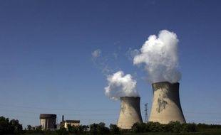 Le groupe américain de fourniture d'électricité Entergy a annoncé mardi la fermeture d'une de ses centrales nucléaires située dans le Maine (nord-est), citant des raisons économiques dont notamment le bas coût du gaz naturel résultant de l'exploitation des gaz de schiste.