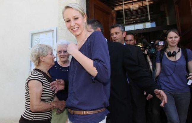 Marion Marechal-Le Pen le 17 juin 2012 au deuxième tour des législatives à Mazan dans le Vaucluse.