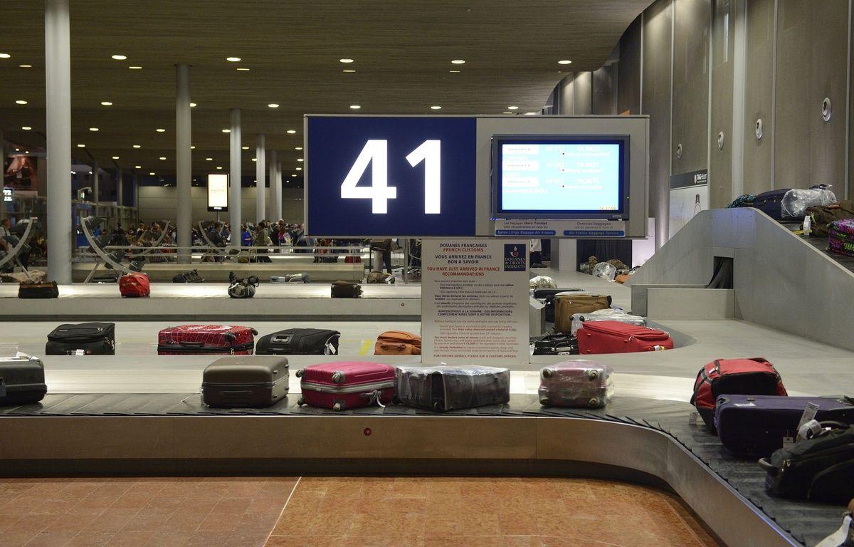 L'aéroport d'Orly est en cours d'évacuation.  – WITT/SIPA