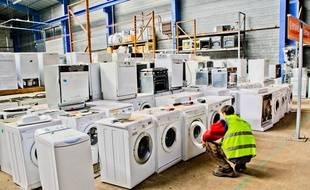 Le site d'Allonnes (Sarthe) de l'entreprise Envie récupère équipements électriques et électroniques d'occasion pour recycler ce qui peut l'être.