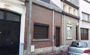 C'est dans cette maison de Calais qu'une jeune femme a été torturée et violée entre début octobre et fin novembre 2018, selon le procureur.