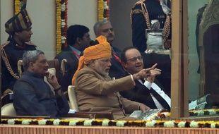 Le Premier ministre indien Narendra Modi et le président François Hollande assistent mardi au défilé du Republic Day le 26 janvier 2016 à New Delhi