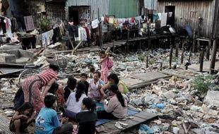 Les deux-tiers de la population mondiale, soit 5,1 milliards de personnes, vivent sans couverture sociale, selon un rapport de l'ONU publié jeudi.