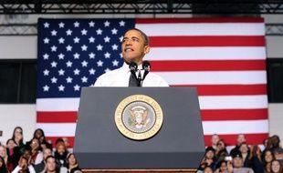 """Le président américain Barack Obama a salué jeudi l'accord intervenu dans la nuit à Bruxelles pour sauver la zone euro, qualifiant les décisions prises de """"base essentielle"""" en vue d'une solution à la crise de la dette."""