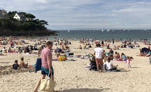 Les touristes ont été nombreux cet été sur les plages bretonnes comme ici à Dinard.