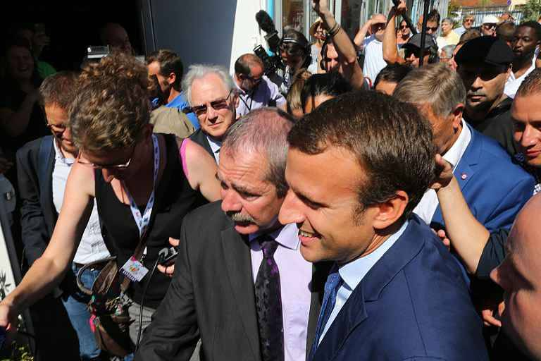 emmanuel macron la rencontre du monde rural pour sa premi re sortie publique. Black Bedroom Furniture Sets. Home Design Ideas