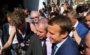Emmanuel Macron à son arrivée jeudi soir à la foire de Châlons-en-Champagne.