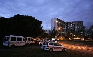 Des Policiers nationaux à la Reynerie dans le quartier du Mirail à Toulouse