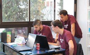 Des étudiants pendant un concours précédent.