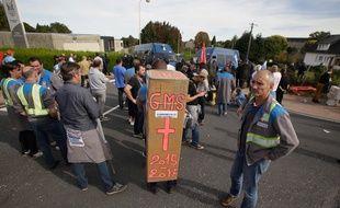 Les salariés de GM&S lors d'une manifestation le 4 octobre 2017.