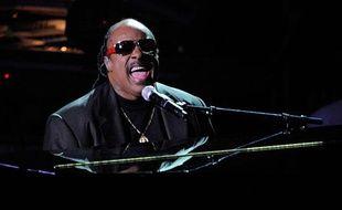 Stevie Wonder a fait pleurer tout le monde en interprétant «Never Dreamed You'd Leave In Summer».
