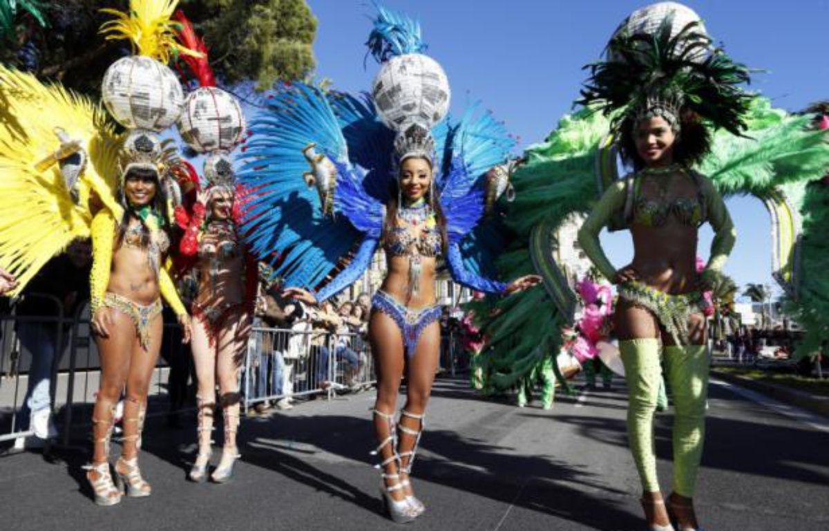 Des danseuses participent à la 132e édition du carnaval de Nice, le 13 février 2016 – VALERY HACHE AFP