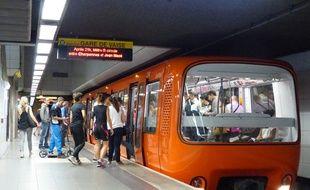 Illustration du métro à Lyon sur la ligne D.