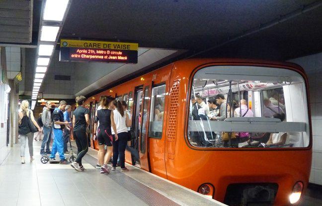 Lyon, le 15 octobre 2015. Illustration du métro à Lyon sur la ligne D.