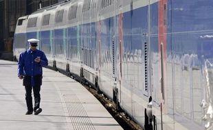 Un quai de gare à Marseille le 2 février 2010, à quelques heures de la grève des cheminots de la SNCF.