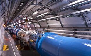 Le Large Hadron Collider (LHC, ou Grand collisionneur de hadrons en français)