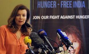 """Valérie Trierweiler, venue à Bombay soutenir une fondation de lutte contre la faim, a déclaré lundi se sentir """"très bien"""" en Inde et bien envisager l'avenir, pour ses premières déclarations deux jours après l'annonce de sa séparation d'avec le président français François Hollande."""