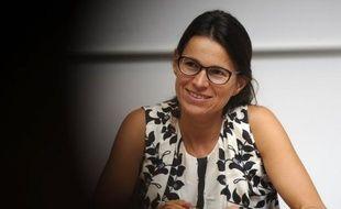 """Aurélie Filippetti, ministre de la Communication, estime que le groupe France Télévisions, très affecté par la baisse des dotations de l'Etat, doit se repositionner et arrêter """"la course à l'audimat"""", dans un entretien à l'AFP accordé à l'occasion de la publication du Budget 2013."""
