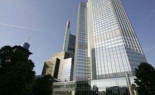La dette des banques espagnoles envers la Banque centrale européenne a pulvérisé en mars le record déjà historique du mois précédent, à 227,6 milliards d'euros, dopée notamment par la récente injection de liquidités par la BCE, a annoncé vendredi la Banque d'Espagne.