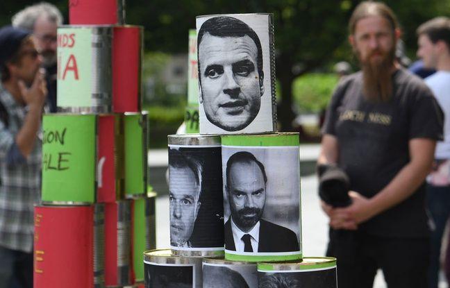 Des canettes avec le visage d'Emmanuel Macron et Edouard Philippe à la