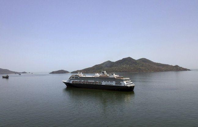 Le paquebot «Zaandam» au large de Panama, le 27 mars 2020.