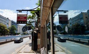 L'impact de balle est visible sur l'ambassade américaine en Turquie.