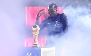 Paaul Pogba célèbre son titre de champion du monde, le 9 septembre 2018 au Stade de France