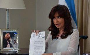 La présidente argentine Cristina Kirchner annonce à la télévision, le 26 janvier 2015 à Buenos Aires, qu'elle va dissoudre le principal service de renseignement du pays
