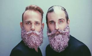 Brian et Jonathan, le duo The Gay Beards, portent la «Glitter Beards».