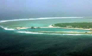 """Vue aérienne en date du 27 juillet 2012 de l'île de Woody, appelée """"Yongxing"""", en chinois, dans l'archipel des Paracels"""